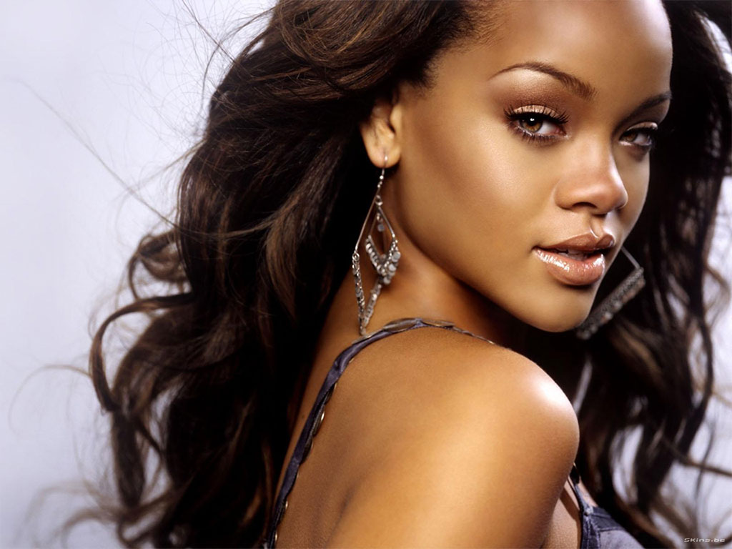 Новата песен на Rihanna - M&S може да ...
